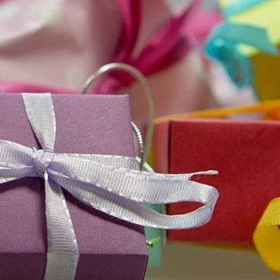 Idees cadeaux et produits personnalisables strass 2000