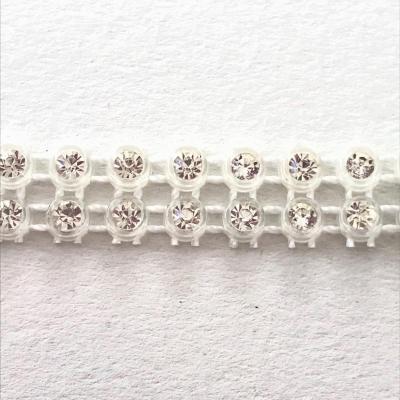 Bande de strass à coudre base plastique 3mm 2 rangs