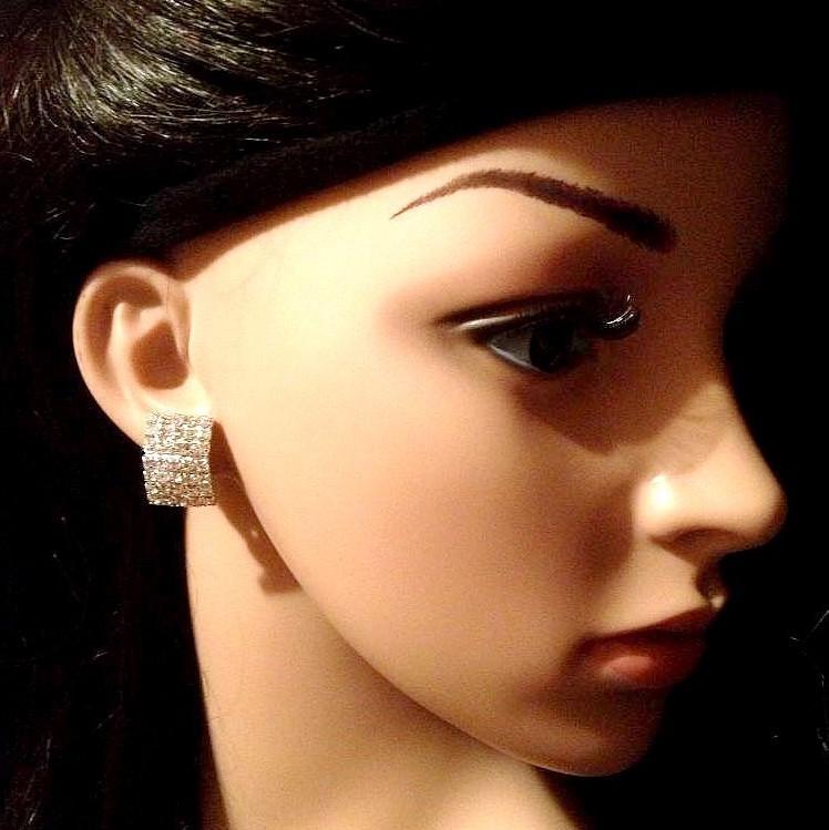 Bo 22 boucle d oreilles en strass