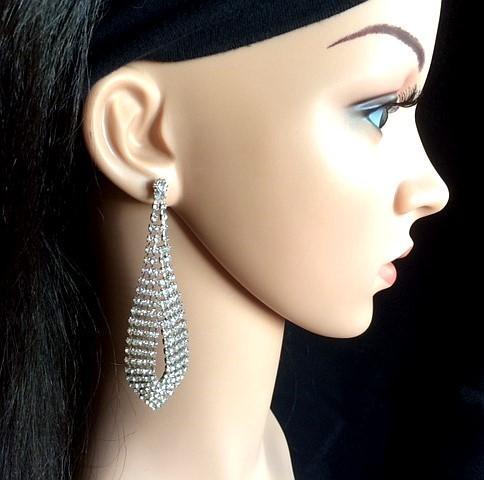Bo 49 boucle d oreilles en strass