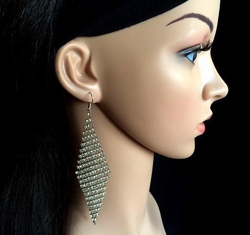 Bo 51 boucle d oreilles en strass