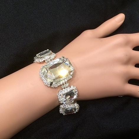 Bra 12 bracelet en strass