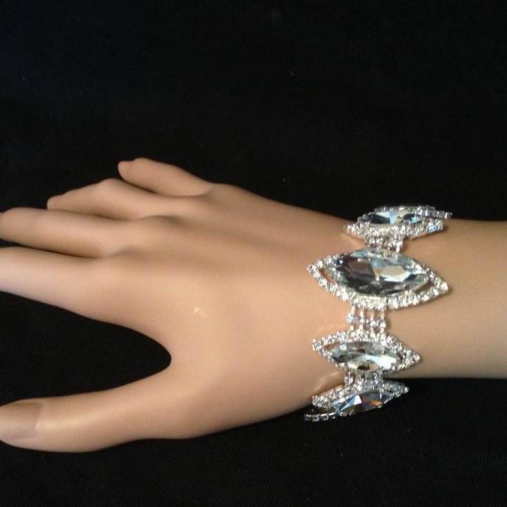 Bra 34 bracelet en strass