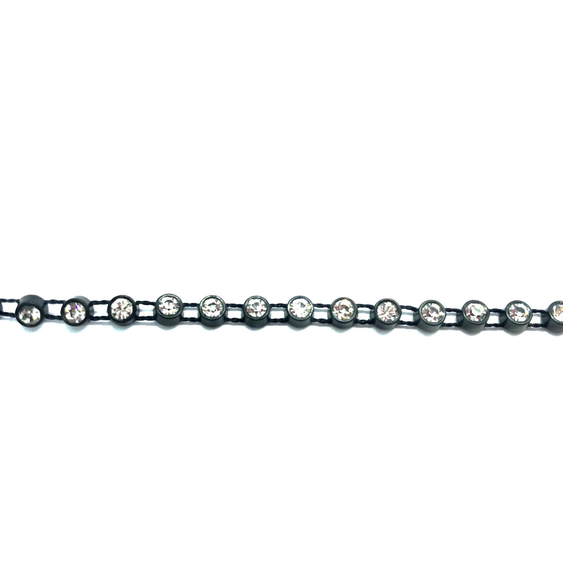 Galon de strass a coudre cristal base plastique noir 3mm