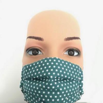 Masque en tissu adulte avec pont de nez étoiles vert