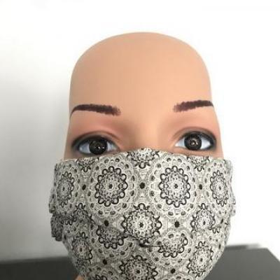 Masque en tissu adulte avec pont de nez