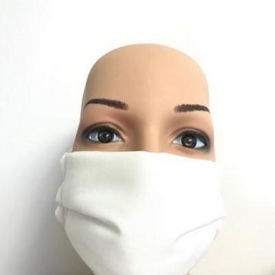 Masque en tissu adulte avec pont de nez blanc