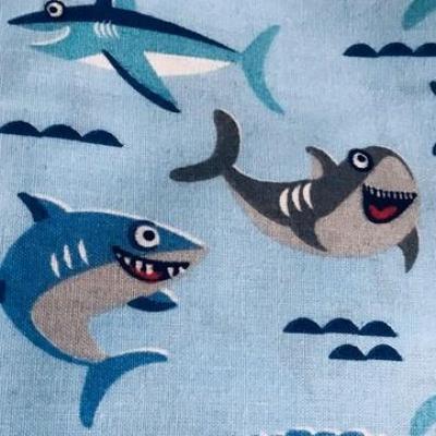 Masque en tissu adulte avec pont de nez requin