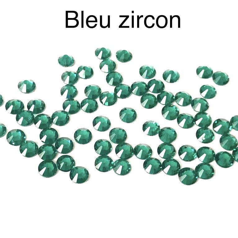 Strass hotfix thermocollant ss20 5mm bleu zircon